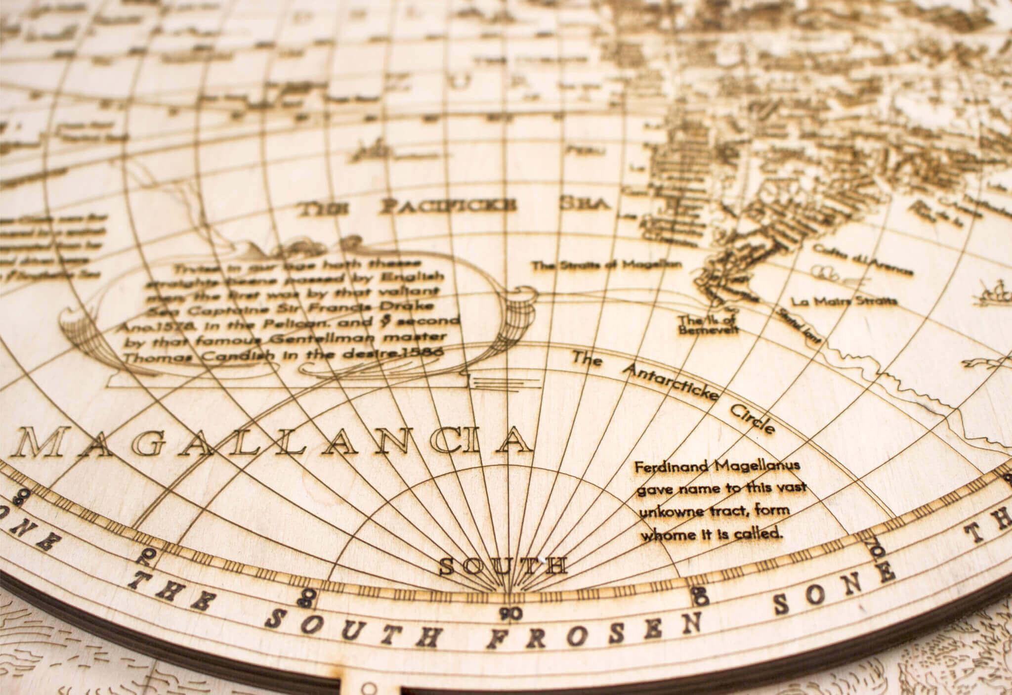 Mapa del mundo histórico de madera - detalle grabado